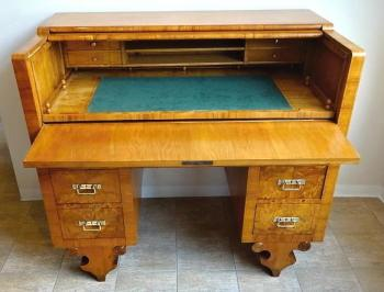 Writing desk with retractable writing board - Late